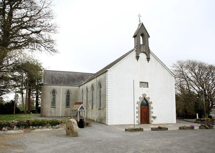 Церковь св. Аттракты в Туолестрейне, Слайго (источник - Kilmacteige.com)