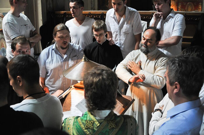 Протоиерей Димитрий Болгарский с хором