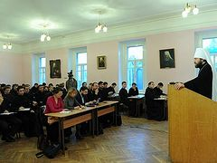 DECR chairman reads lecture on Orthodox-Catholic relations at Moscow theological schools