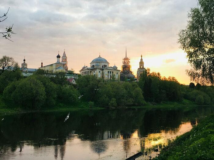 Торжок. Вид на Новоторжский Борисоглебский монастырь