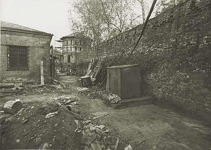 Разруха в Даниловом монастыре Москвы, когда воссоздание обители было поручено отцу Даниилу
