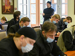 Прошли экзамены на заочное отделение СПбДА с проживанием при Псково-Печерском монастыре