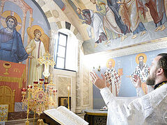 Ukrainian churches and monasteries mark Independence Day with prayers for peace in the nation