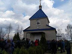 Раскольники заблокировали вход в храмы общинам УПЦ на Волыни и Закарпатье