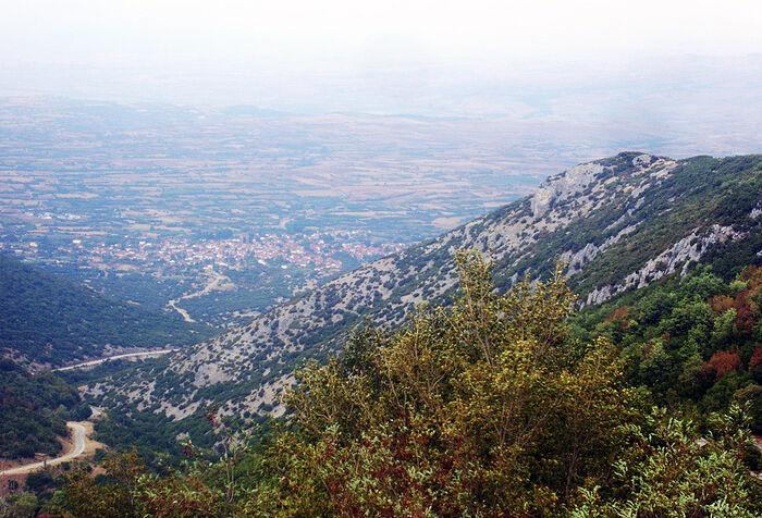 Άποψη του χωριού Πρώτη Σερρών από το μοναστήρι