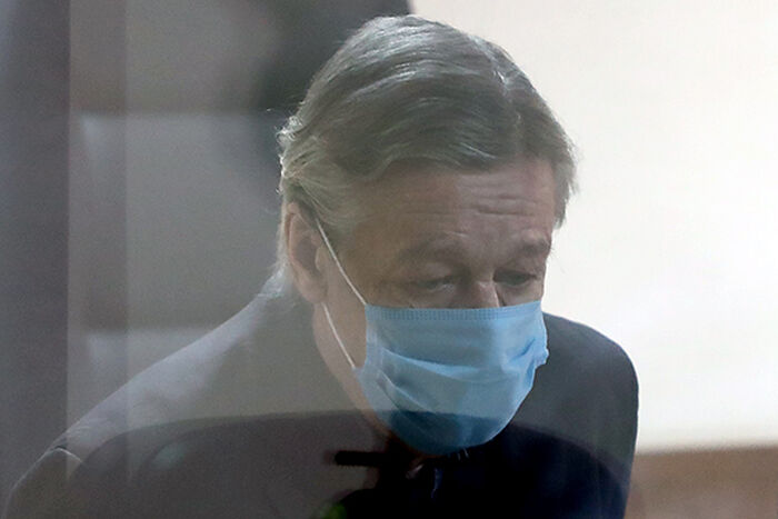 Михаил Ефремов в суде во время оглашения приговора. Фото: Антон Новодережкин/ТАСС