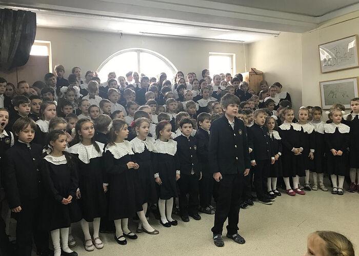 Выступления учеников Свято-Петровской школы