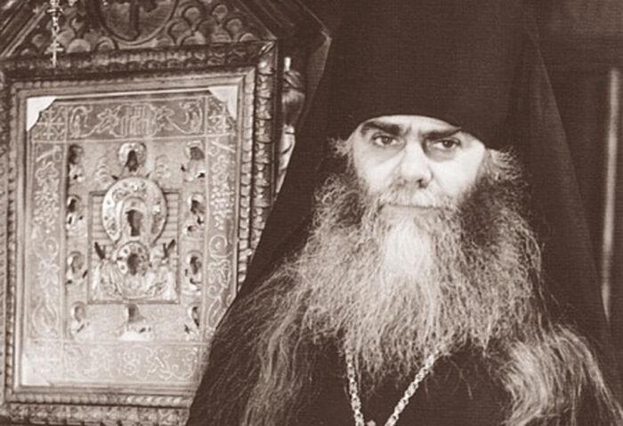 Владыка Аверкий Таушев и чудотворная Курская-Коренная икона Божьей Матери