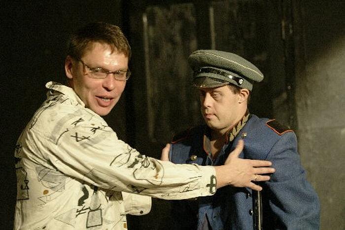 Игорь Неупокоев на репетиции