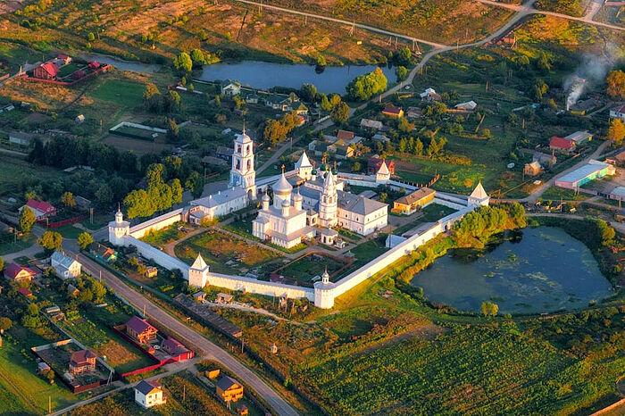 Никитский монастырь с высоты птичьего полёта. Фото: putidorogi-nn.ru