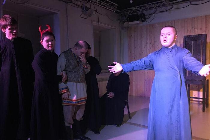 Спектакль «Прение Живота со Смертью» в «Театре Простодушных»
