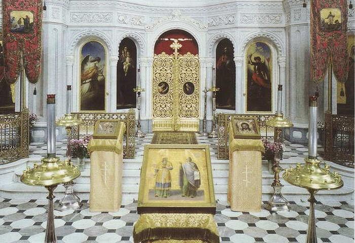 Убранство храма в Висбадене