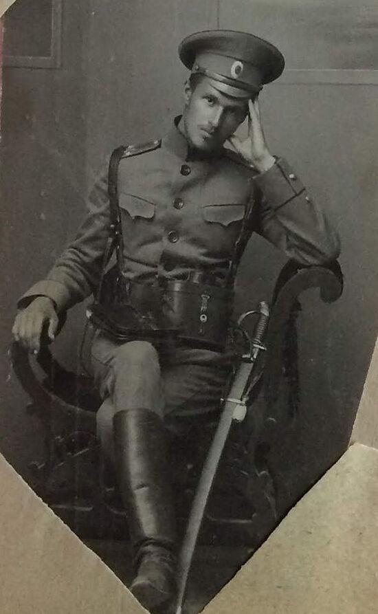 Костенко Александр Степанович, подпоручик. Погиб в бою в 1915