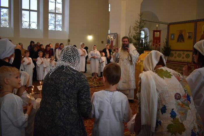 Таинство Крещения воспитанников детского дома, январь 2020 г.