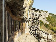 Пещерные монастыри Крыма