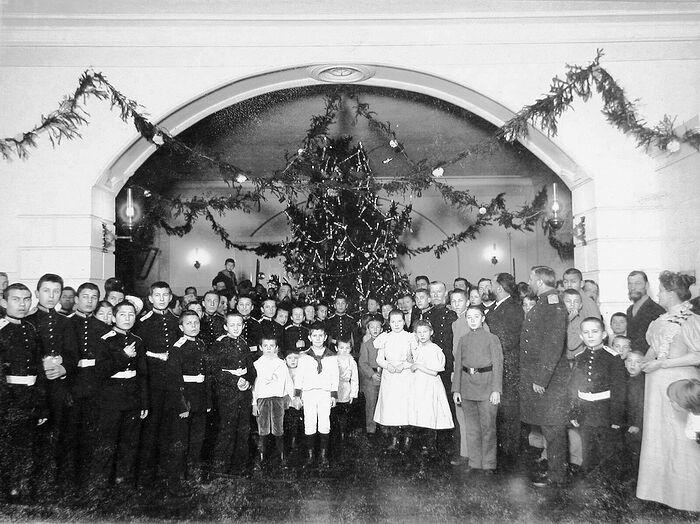 Рождество в старой России. Вольский кадетский корпус, 1908