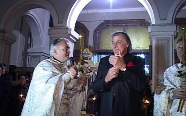 Piersic receiving the Holy Light in church in 2014. Photo: adevarul.ro
