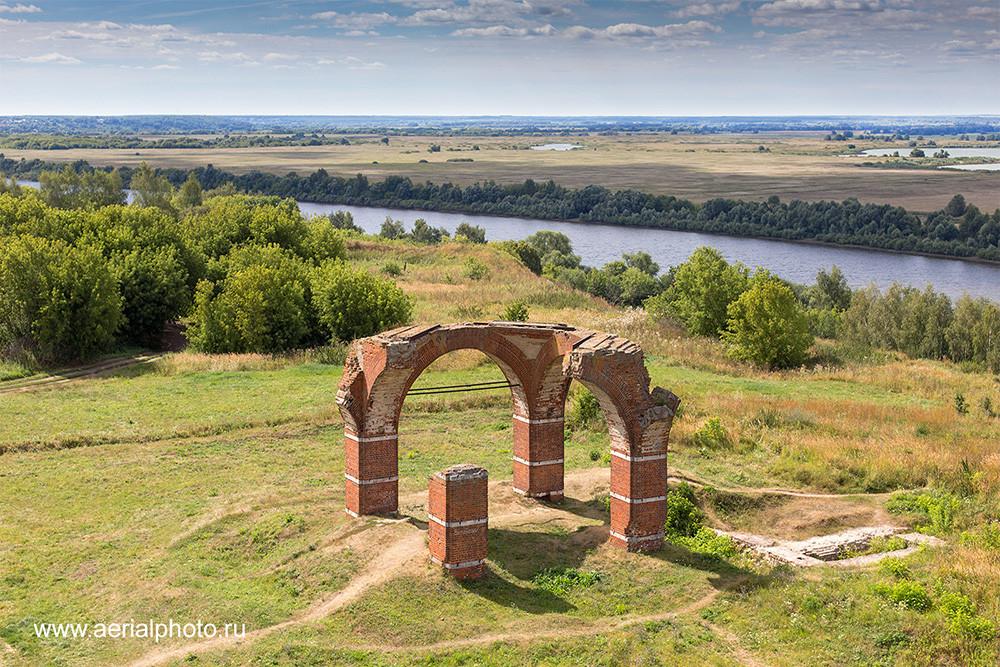 Руины собора Бориса и Глеба. Старая Рязань