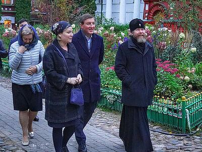 Министр культуры Ольга Любимова и Андрей Турчак посетили Псково-Печерский монастырь