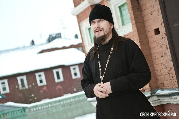 Священник Андрей Лебедев