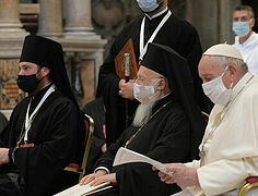 Patriarch Bartholomew and Russian and Romanian bishops pray in ecumenical service in Rome