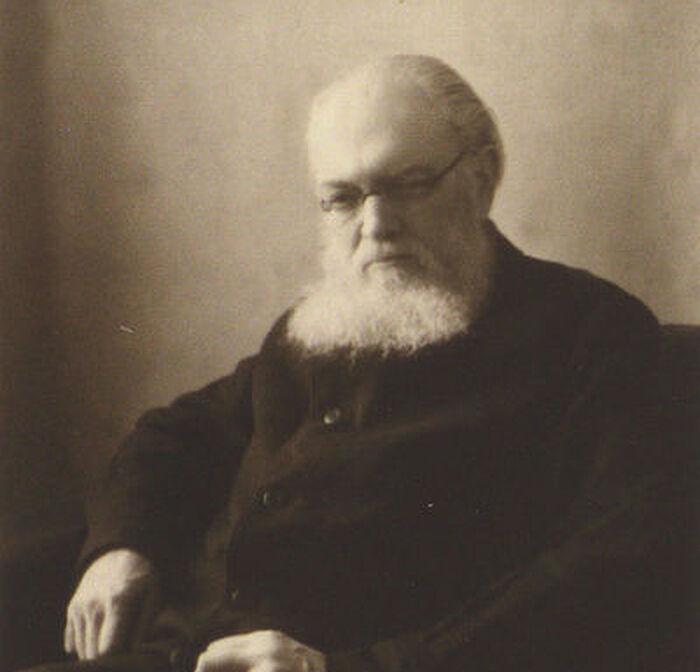 Святитель Лука (В. Ф. Войно-Ясенецкий) в возрасте 66 лет. 1943 год