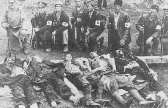 Οι Ουστάσι εκτελούν τους κρατούμενους στο στρατόπεδο συγκέντρωσης Γιασένοβατς