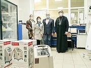 Ростовская епархия передала три кислородных концентратора в ковидный госпиталь Азова