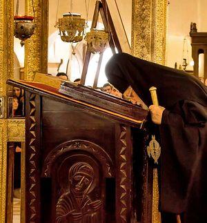 Η θαυματουργή εικόνα στον Ιερό Ναό της Αγίας Τριάδας και ο Πατριάρχης Γεωργίας Ηλίας. Τιφλίδα.
