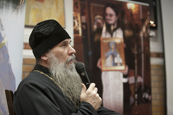 Fr. Konstantin Bufeev speaking about Fr. Daniel at an event dedicated to the 6th anniversary of his repose in 2015. Photo: pravmir.ru