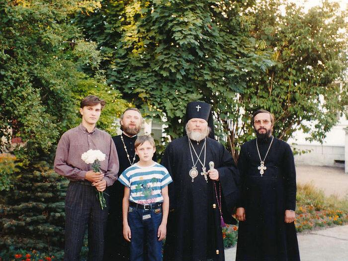 У епархиального управления с владыкой Евсевием (Саввиным) во Пскове