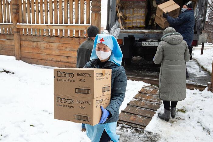 В Томске Церковь передала нуждающимся семьям 2 тонны продуктовой помощи