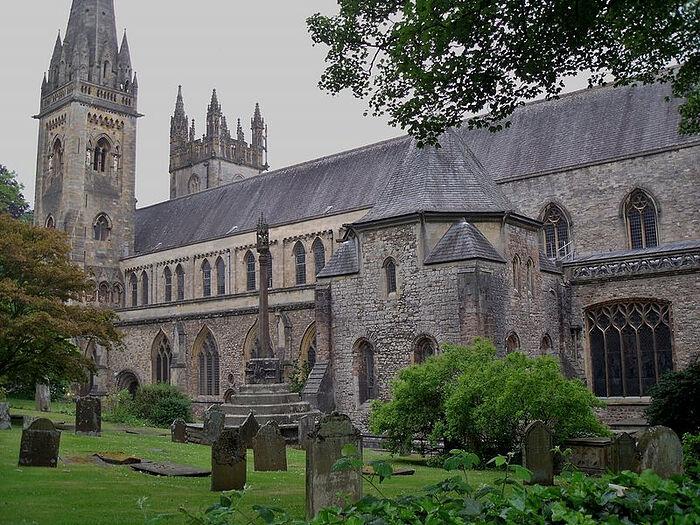 Лландаффский кафедральный собор, Уэльс (взято с Commons.wikimedia.org)