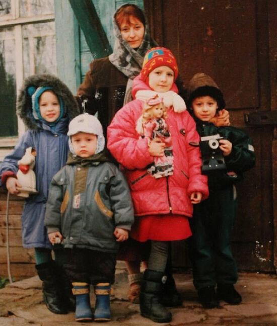 Матушка Люба Шевчук с детьми