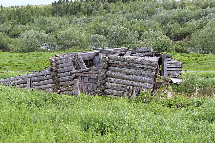 Руины бывшего дома кузнеца в Аранце
