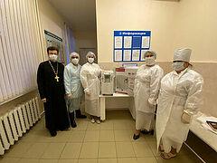 Синодальный отдел по благотворительности передал Боровичской епархии четыре кислородных концентратора