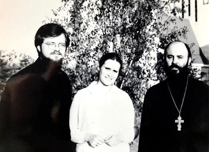 Отец Георгий с протоиереем Виктором Потаповым (настоятелем нашего храма святого Иоанна Предтечи в Вашингтоне) и его матушкой Марией Потаповой