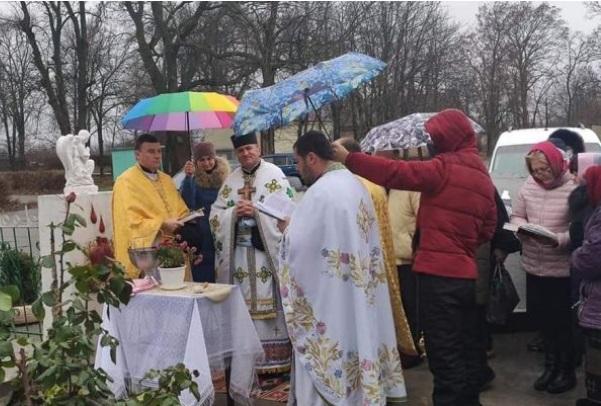 Σε παρέλαση ΛΟΑΤΚΙ οι σχισματικοί και αναθεματισμένοι Ουκρανοί.