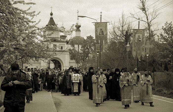 Крестный ход в Оптиной