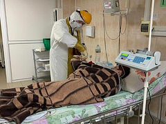 В Рязани священники начали посещать пациентов COVID-отделений
