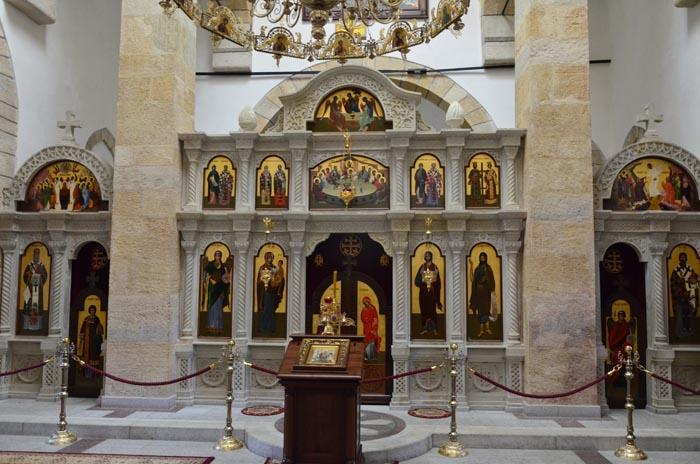 Внутреннее убранство храма Архангела Михаила