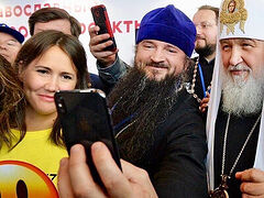 Patriarch Kirill: People online need pastoral care, but priests must be very cautious