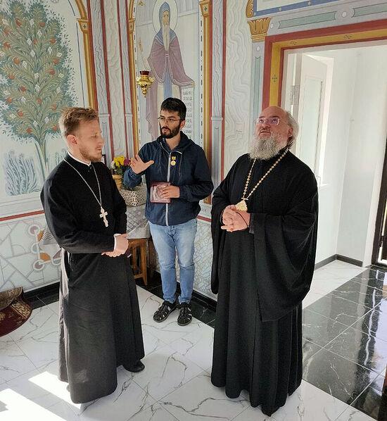 Епископ Козельский и Людиновский Никита, иерей Лев Шиповский и Дмитрий Волги