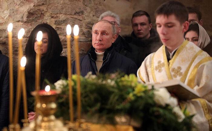 Владимир Путин поздравил православных христиан, всех граждан России, празднующих Рождество Христово
