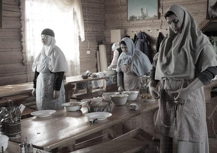 Послушание в трапезной Казанской Трифоновой пустыни