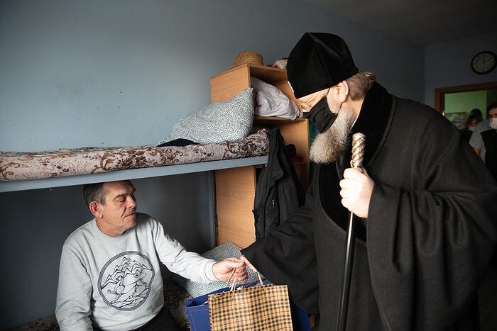 Митрополит Ростовский и Новочеркасский Меркурий поздравляет с Рождеством Христовым подопечных социального приюта «Донская обитель»
