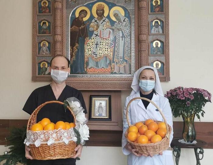 Святейший Патриарх Кирилл передал на Рождество тонну апельсинов в больницы и социальные учреждения Москвы