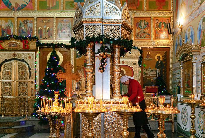 В храме целителя Пантелеимона