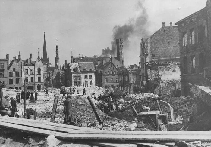 Таллинн, 1944