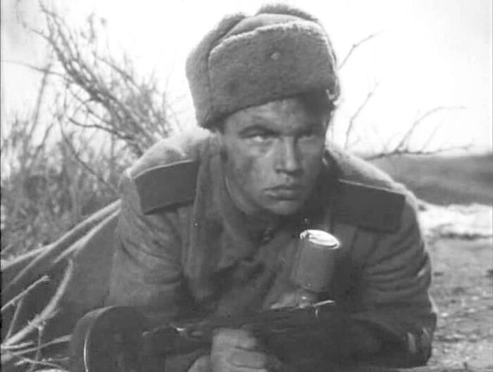 Кадр из фильма «Александр Матросов»